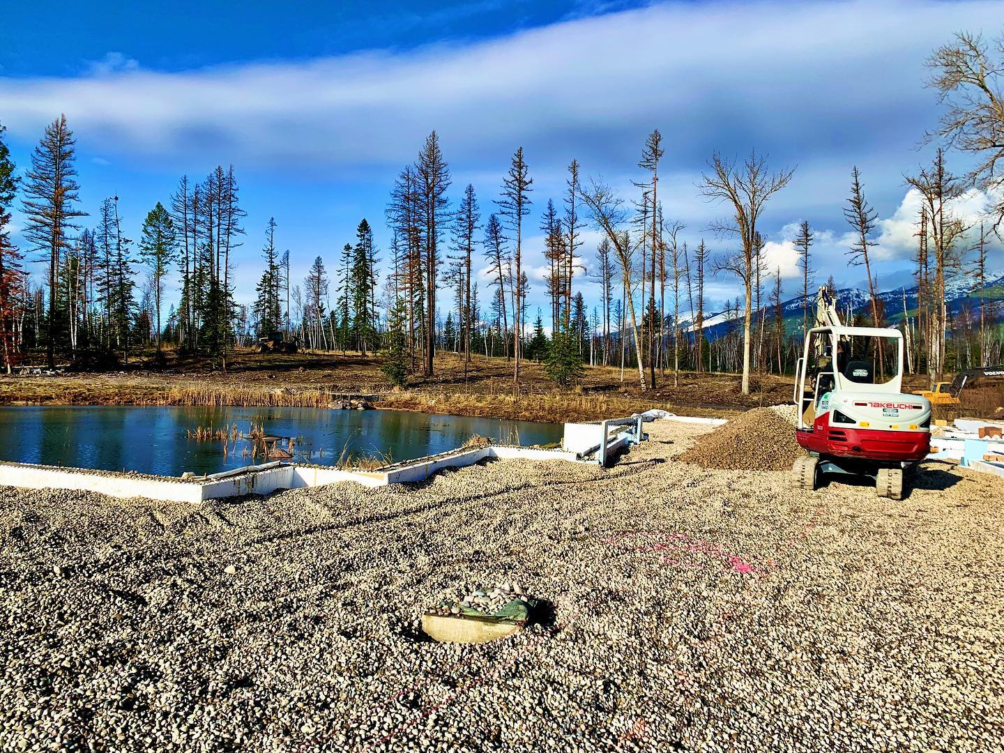 Doesn't look like winter so much on the south side of the Valley! Sunshine and 44 ️ whitefish custom home builder
