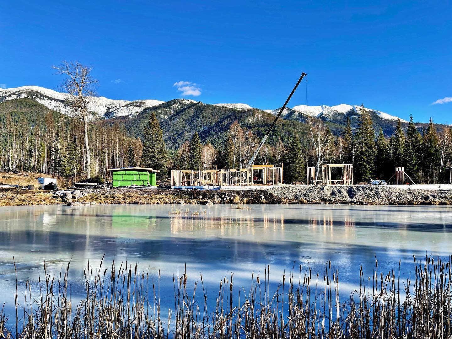 41 degrees and sunny in mid January...yes please!!! whitefish custom home builder