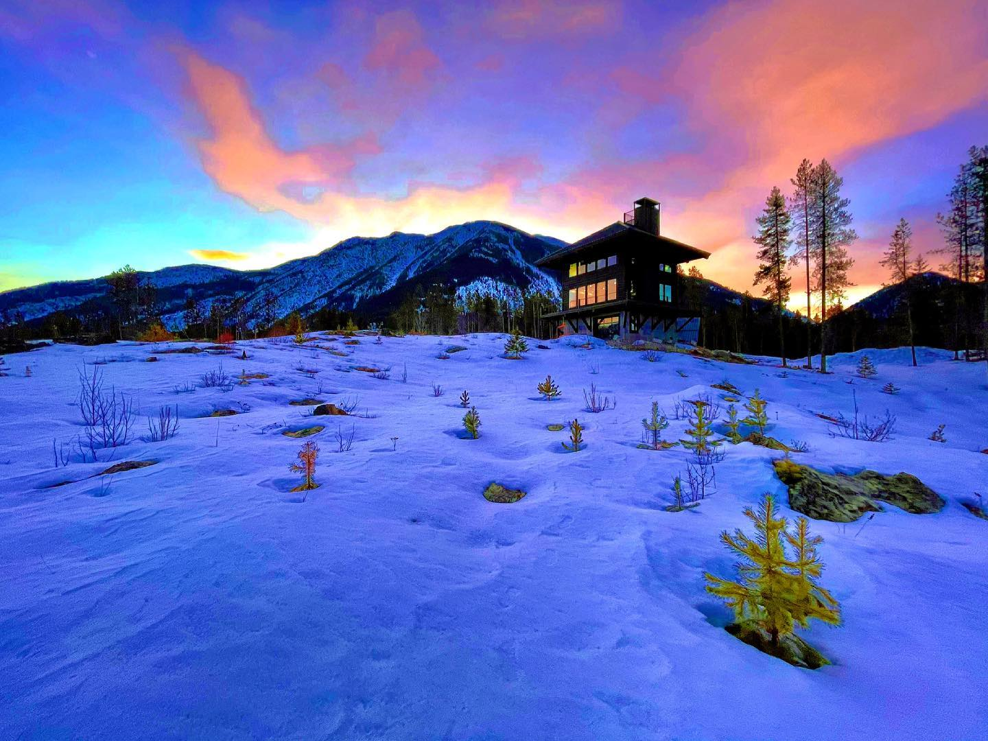 It's Friday!! Nothing like starting the day out like this! whitefish custom home builder