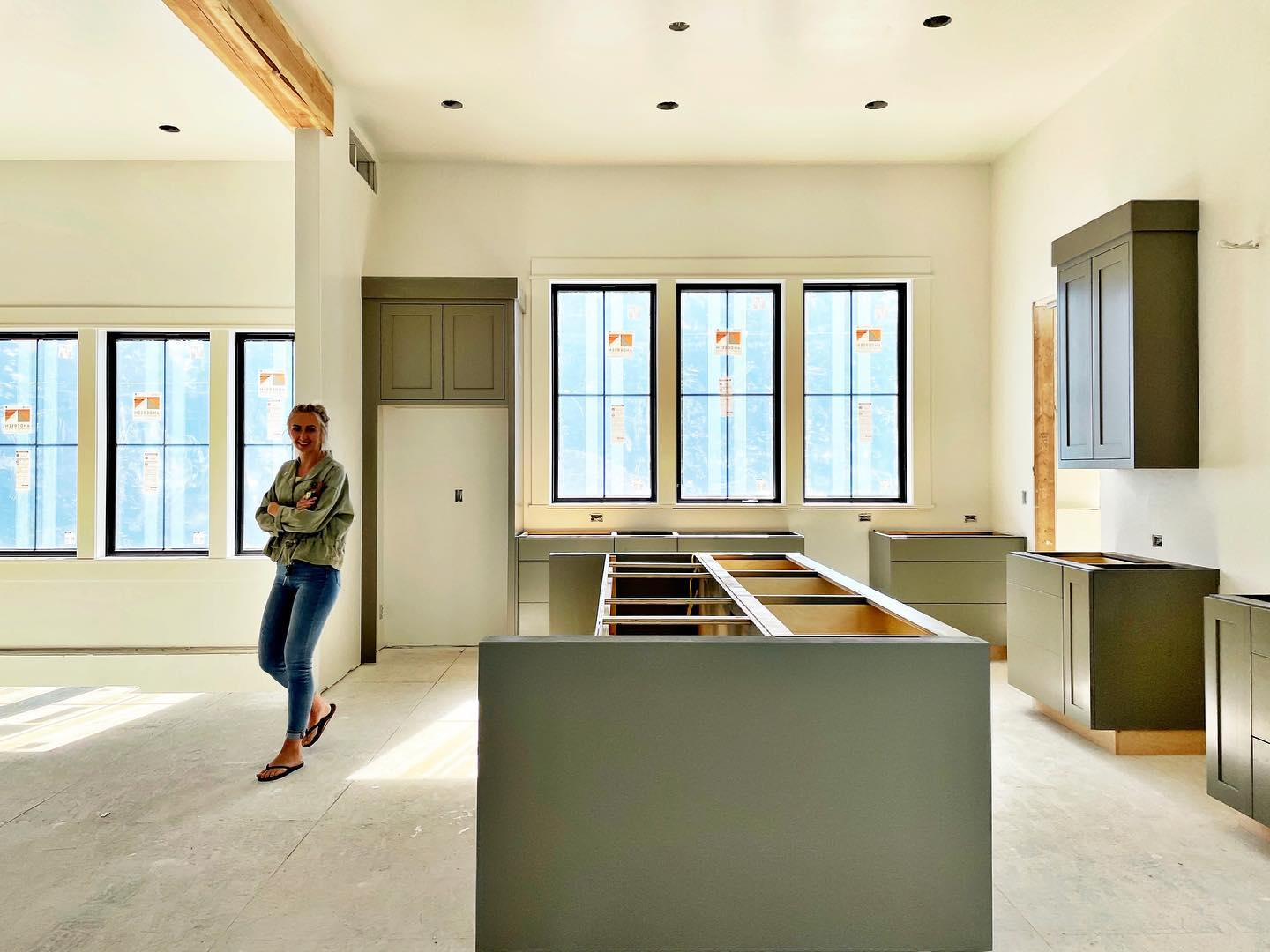 White walls, black windows, beautiful gray cabinets...love how this is coming together! @eashandmillerwoodworks whitefish custom home builder