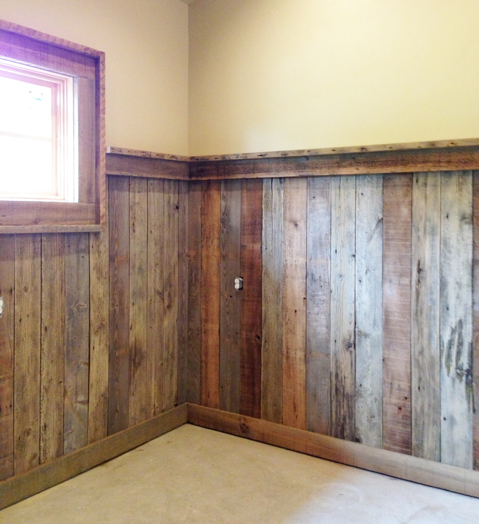 Reclaimed Wood detail : Whitefish Custom Home Builder with new custom homes