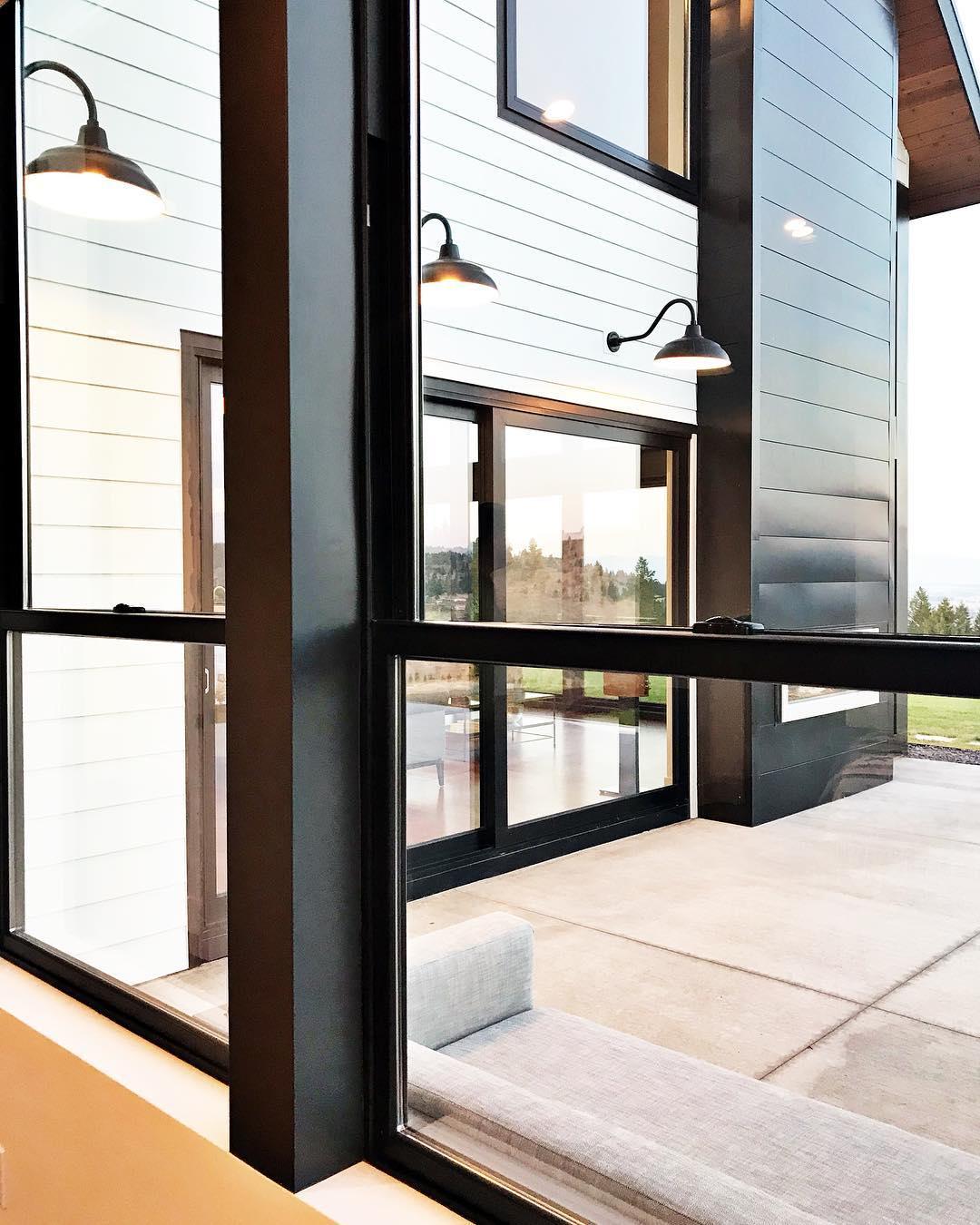Modern Farmhouse whitefish custom home builder