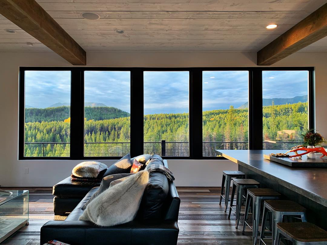 Not a bad way to end the weekend @awiwoodworks whitefish custom home builder