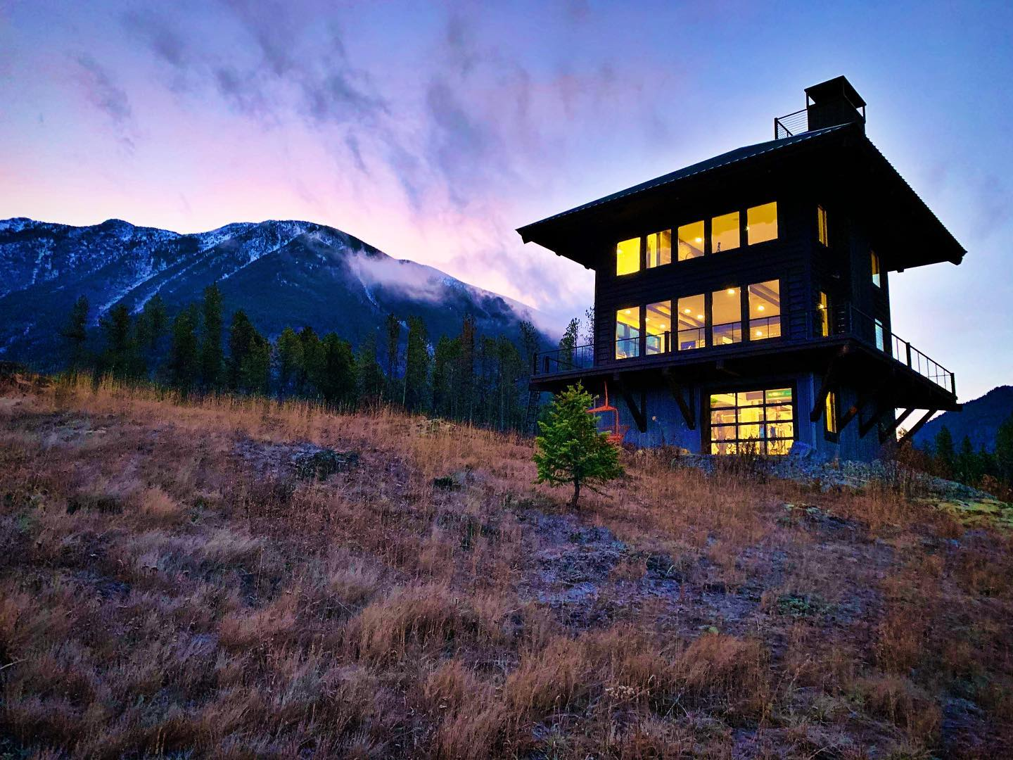 Good morning ️ crisp and clear and 17 degrees at the Lookout this morning. whitefish custom home builder