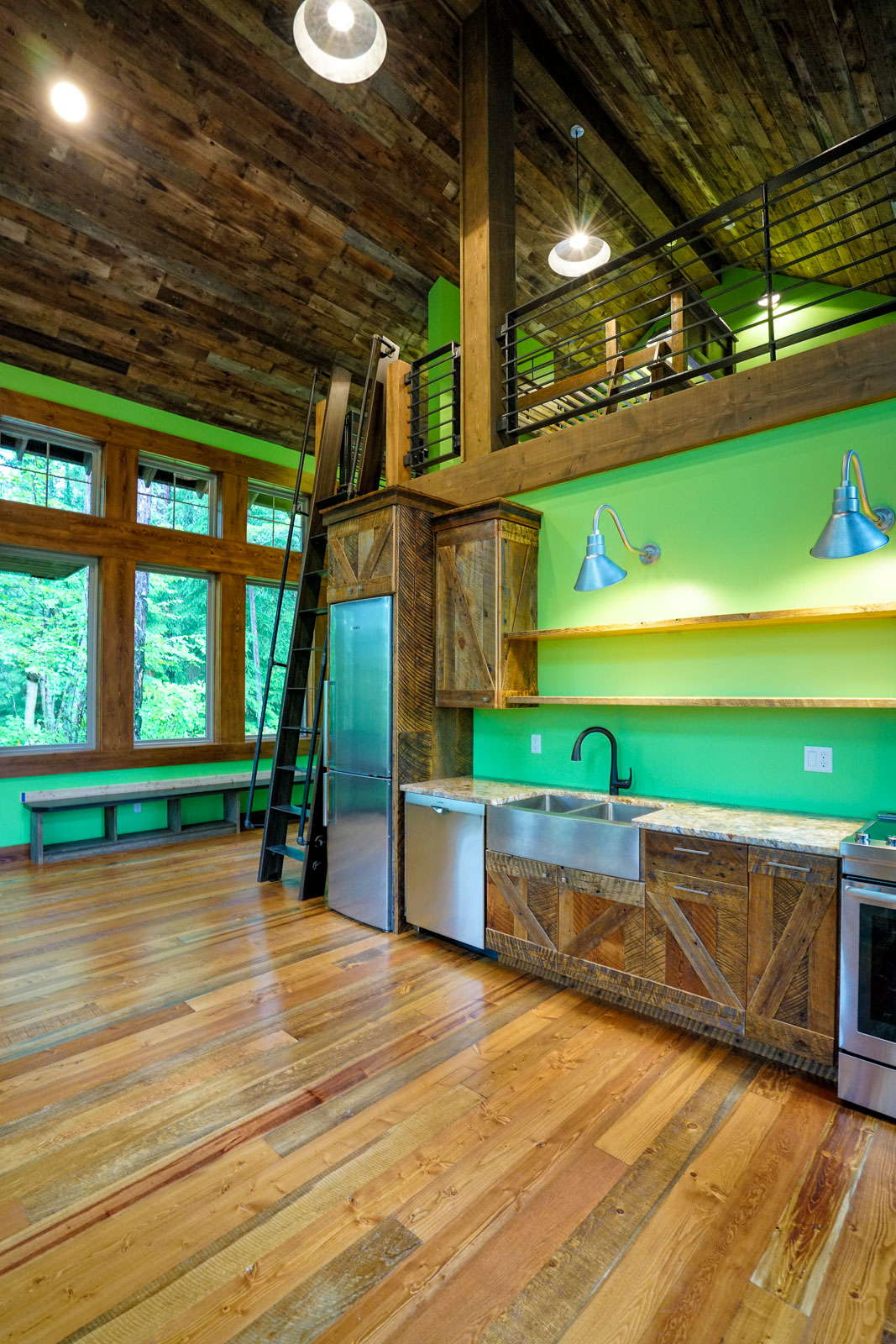 Custom miny home cabin near Glacier Park