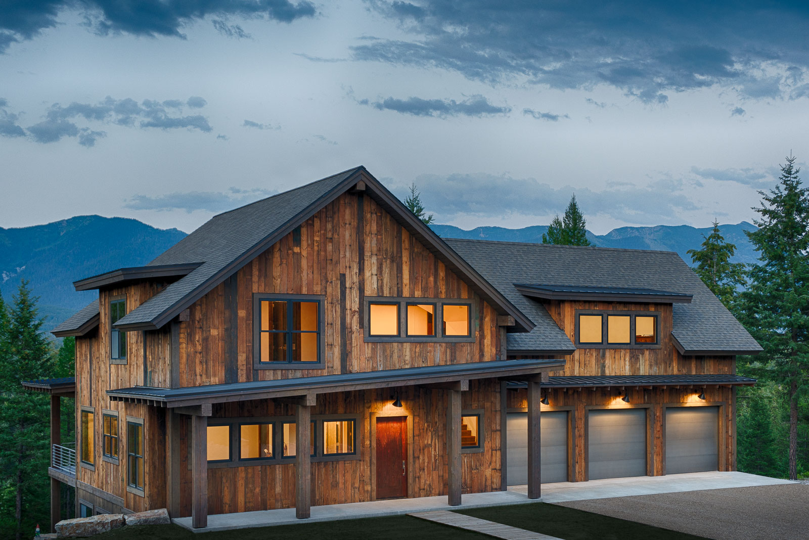 Whitefish builders montana custom homes montana for Custom mountain homes